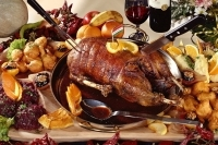 A whole roasted farm goose (4,6 kg) -